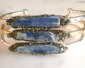 Healing Crystals and stones, Kyanite bracelet, raw crystal jewelry, raw kyanite jewellery, raw gemstone, festival jewelry, blue bracelet