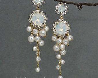 Chandelier Earrings,Gold Wedding Earrings, White Opal Earrings, Swarovski Rhinestone Wedding Earrings for Brides, Ivory Pearl Earrings