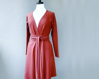 Organic cotton jacket with a belt in red