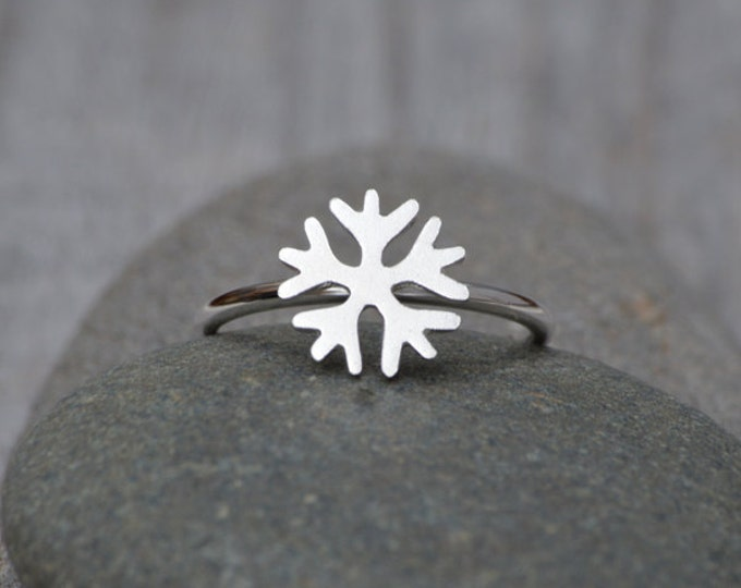 Snowflake Ring In Sterling Silver, Stackable Snowflake Ring