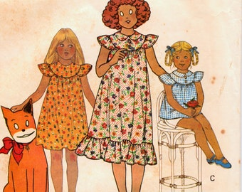 Vintage Little Orphan Annie Dress Sewing Pattern McCall's 6126 Little Orphan Annie Dress Or Top Size 8 Breast  27Complete