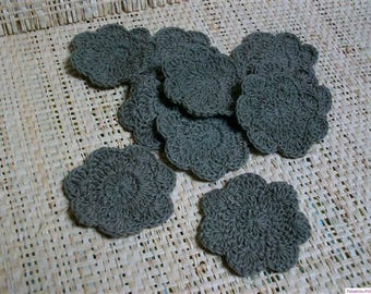 Set of 5 flowers crocheted taupe/gray
