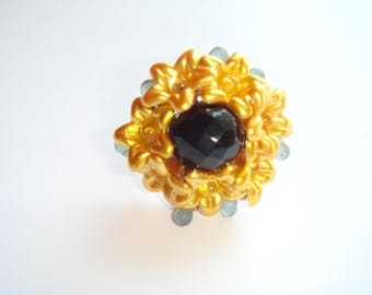 faceted round bead flower ring
