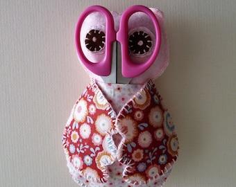 Pink owl scissor and needle  case