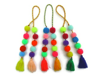 Pom Pom Bag Charm Tassel Bag Charm, BOHO Bag Charm, Pom Pom Purse Charm,Colorful Pom Decor,Bag Accessories, Trending Gifts, Original Gifts,