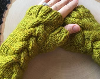 Fingerless Gloves, Green Wrist Warmers, Knitted Fingerless Mitts, Knitted Fingerless Gloves, Merino Wool, Cabled Gloves, Cabled Mitts,