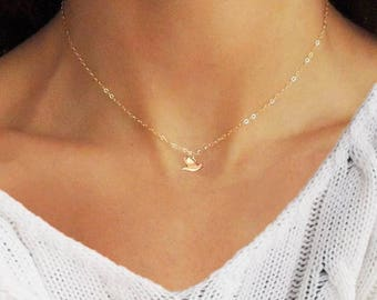 Tiny Dove Necklace, Delicate Necklace,Animal Necklace, Tiny Bird Necklace, Dainty Necklace, Bird Charm Necklace, Dainty Jewelry, Tiny Neckla