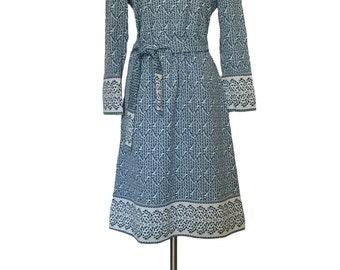 Vintage 1960s B Altman & Co Tannel Knit  Shift Dress Minimalist Dress  Wedgewood Blue Border Print Grunge Dress Alternative Midi Dress