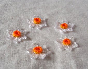 3D Hand crochet daffodil applique - small daffodil flower embellishment  - 2 inches in diameter