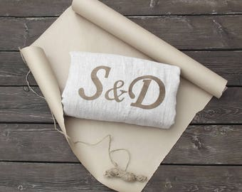 Couple gift, gift for couples, his and hers gift, wedding gift for the couple, mr and mrs, anniversary gift, customized, monogrammed gift
