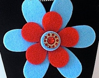 Charlotte (Funky Felt Flowers Necklace)