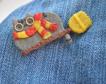 Brooch Harry Potter,brooch polymer clay,Hogwarts earrings,wizard pendant,girlfriend gift for her,Pusheen cat brooch,Lovely kawaii.Griffindor