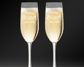 Custom Champagne Glasses, Personalized Toasting Flutes For Bride & Groom, Custom Engraved Champagne Flutes, Toasting Glasses, Wedding Gift