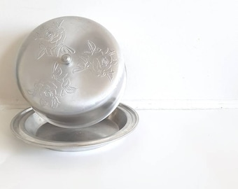 Vintage Tin Cake Pan and Cover