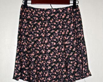 STREETU/FAR 90s Floral Skirt
