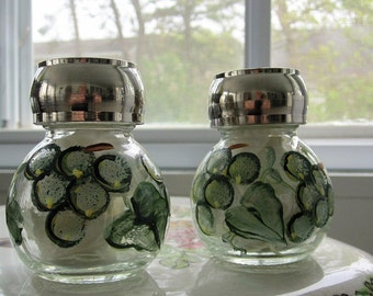 ON SALE Salt and Pepper Shaker with green grapes and green leaves hand painted