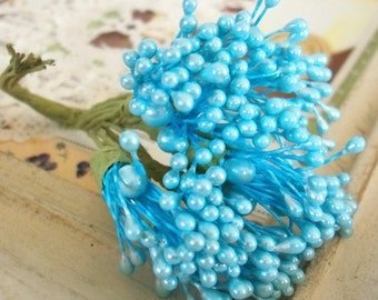 Vintage Millinery / Floral Pips-Peps Flower Centers / Pearlized Light Blue / Stamens / Bunch of Twelve Stems