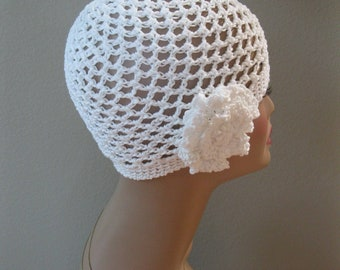 White Cotton Cloche with Detachable Flower Hand Crocheted by Swedishknit
