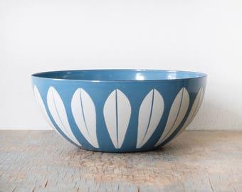 """vintage Cathrineholm lotus bowl"""", blue + white mid century modern 8"""" enamel bowl, Grete Prytz Kittelsen Scandinavian design home decor"""