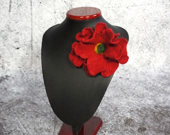 Flower brooch, felted brooch, felted flower, red flower Feltmondo