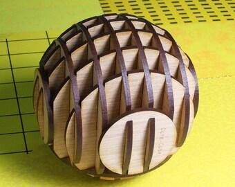 Spherical penholder