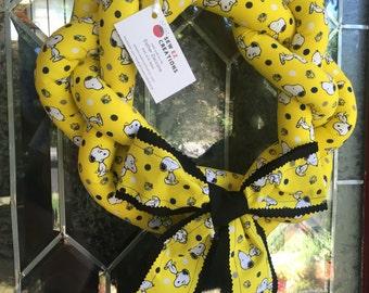 Snoopy Wreath - Yellow Wreath - Peanuts - Comic Strips - Door Decorations - Home Decor