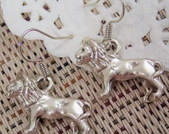 Assorted Colour Elegant Lion Earring