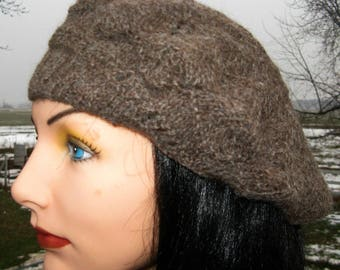 Natural Brown Beret Tam made with Alpaca Yarn, Soft Alpaca Winter Hat for Men and Women
