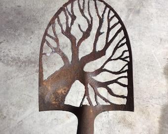 Tree branch shovel head
