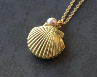 Ocean Seashell Pearl Locket Necklace  (R2C1)