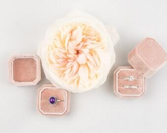 Velvet ring box - Octagonal ring box - Wedding - Gift - Misty Rose