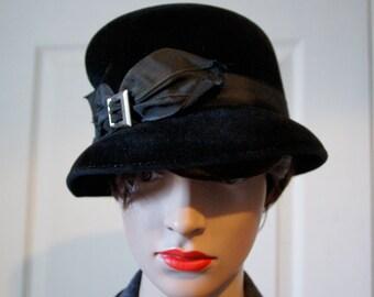 Black velvet 1940s Hat
