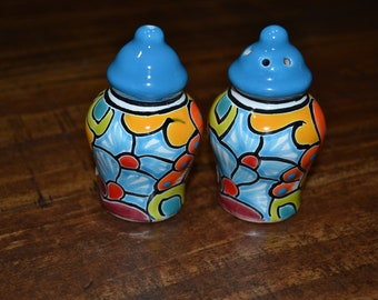 Talavera Salt and Pepper Shaker/ Salt & Pepper shaker/ mexican salt and pepper shaker/mexican pottery/ colorful salt and pepper shaker
