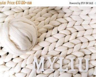 SALE Chunky yarn. Giant yarn. Super bulky yarns 100% Merino Wool. Huge skein of super chunky yarn. The thickest yarn. Giant yarn by woolexpe
