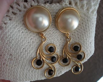 Vintage Art Deco Faux Pearl and Black Onyx Faceted Glass Rhinestones Gold Pierced Statement Earrings Elegant Swirls
