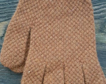 Scottish Moss stitch gloves knit in a cable chunky structure Lamswool new wool yarn that will last!