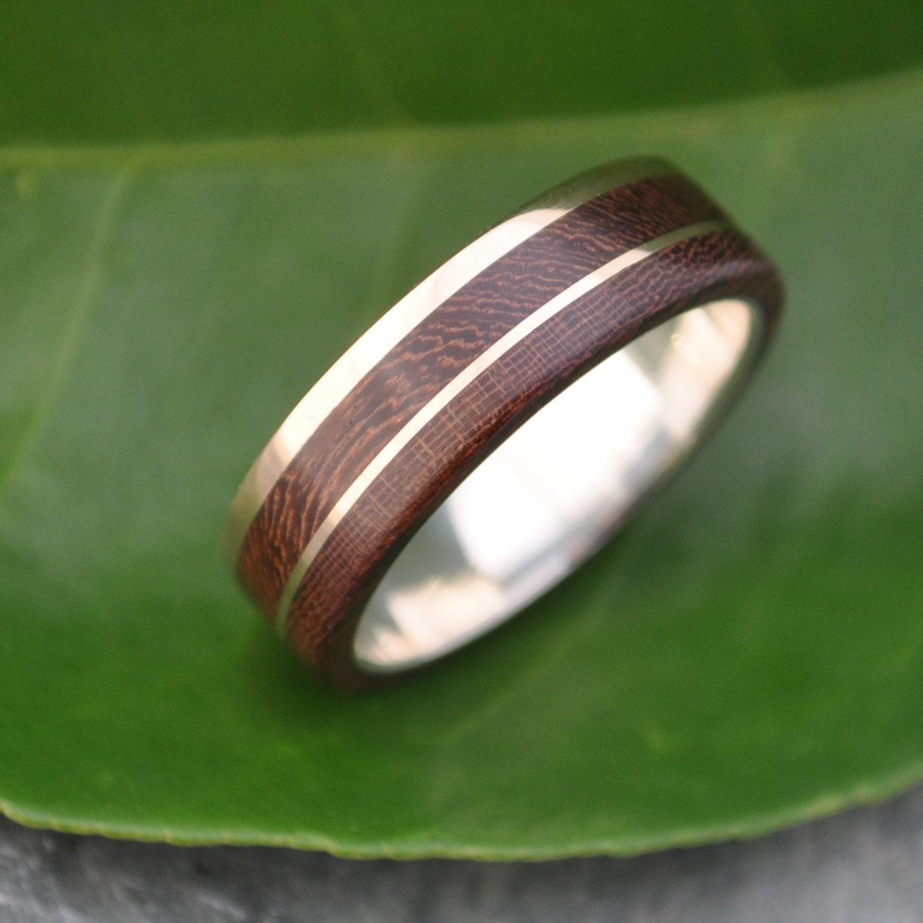 Gold and Silver Un Lado Asi Wood Ring ecofriendly 14k
