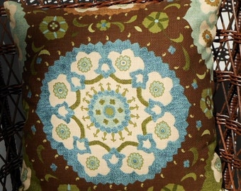 """SALE!//Large Medallion on Brown//20"""" Throw Pillow"""
