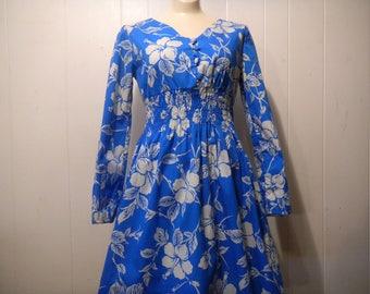 Vintage dress, Hawaiian dress, blue dress, floral dress, Tiki dress, vintage clothing, small