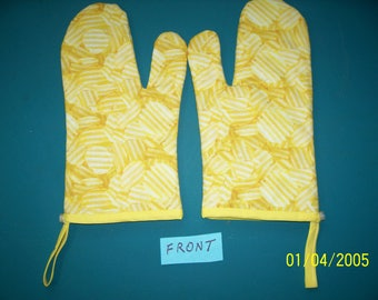 Wavy Potato Chips Oven Mitts