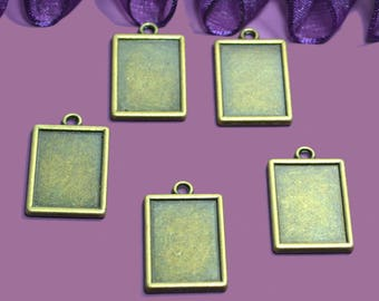 Cabochon resin or 14x18mm photo holders