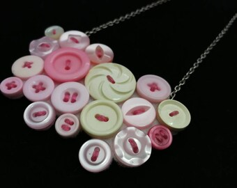Button bib necklace. Pink statement necklace. Vintage buttons. Retro necklace. Hand stitched. Unusual jewellery.