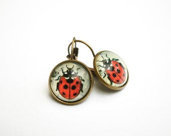 Lady bug  lever back cabochon earrings, vintage bronze dangle earrings, glass dome earrings, stud earrings with cabochon