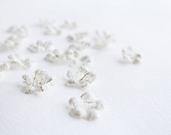 Silver ivory Lace 3D Fabric Flowers Petals 20pcs - handmade wedding flowers, flower embellishment, flower appliqué, cut lace flowers