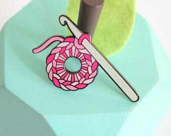 Crochet enamel pin pink: crafty enamel pin, yarn enamel pin,hard enamel pin, enamel pin set, pingame, crochet hook, enamel lapel pin,