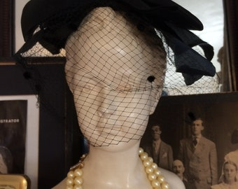 Vintage 1950s Stunning Black Bow Lace  Veiled Ladies Formal Hat Mini Hat Garden Party Fascinator