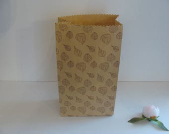 1 piece natural Brown kraft paper bag gift wrapping leaves 21.5 * 11.5 cm Brown background