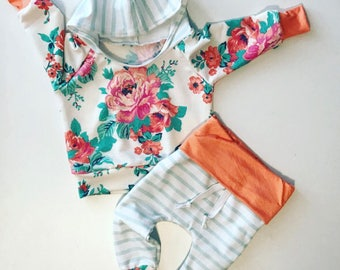 Baby outfit / baby girl outfit / baby girl clothing / baby clothes / newborn girl outfit / baby girl gift / floral / floral baby outfit