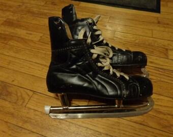 Vintage Mastercraft Leather Hockey Skates