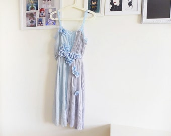 WONDERLAND - blue draped pleats & flowers